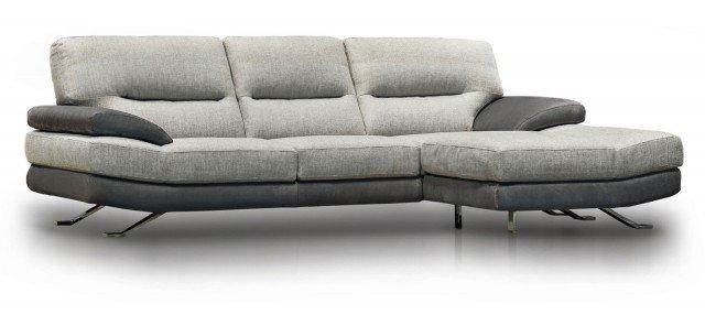 Prezzo 1.199 euro. Ha cuscini seduta a doppia densità, il divano con struttura in massello di abete; misura L 253 x P 100 x H 88 + pouf misura L 98 P 70 H 42. Acoro di Poltronesofà