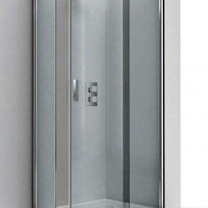In cristallo temperato spessore 6 mm il box Evolution RA-B di Relax ha le pareti con trattamento anticalcare e profili in alluminio brillantato. Prezzo nella versione 70 x 90 cm 1.215 euro. www.relaxsrl.com