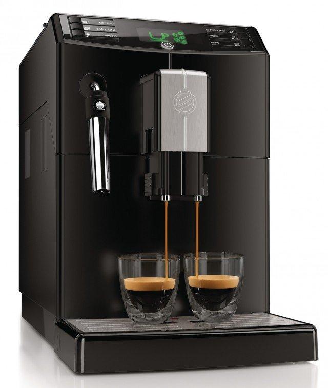 Minuto Classic Pannarello di Saeco, è una macchina da caffè automatica molto compatta fuori e incredibilmente capiente all'interno. Dotata di caldaia a riscaldamento rapido per ottenere un caldo caffè in pochi istanti, regola automaticamente la macinatura garantendo l'estrazione di tutti gli aromi e ha display con impostazioni personalizzabili come l'intensità dell'aroma, la temperatura e la lunghezza oltre che funzione per selezionare e memorizzare la bevanda preferita. Prezzo 449,90 euro. www.saeco.com