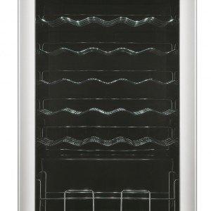 Il wine cellar RW 33 EBSS di Samsung è dotato di una comoda funzione di regolazione elettronica, che consente il mantenimento costante della temperatura desiderata tra i 4 e i 18 °C con grande precisione. Per 33 bottiglie, misura L 51 x P 55 x H 85 cm. Prezzo 399 euro. www.samsung.it