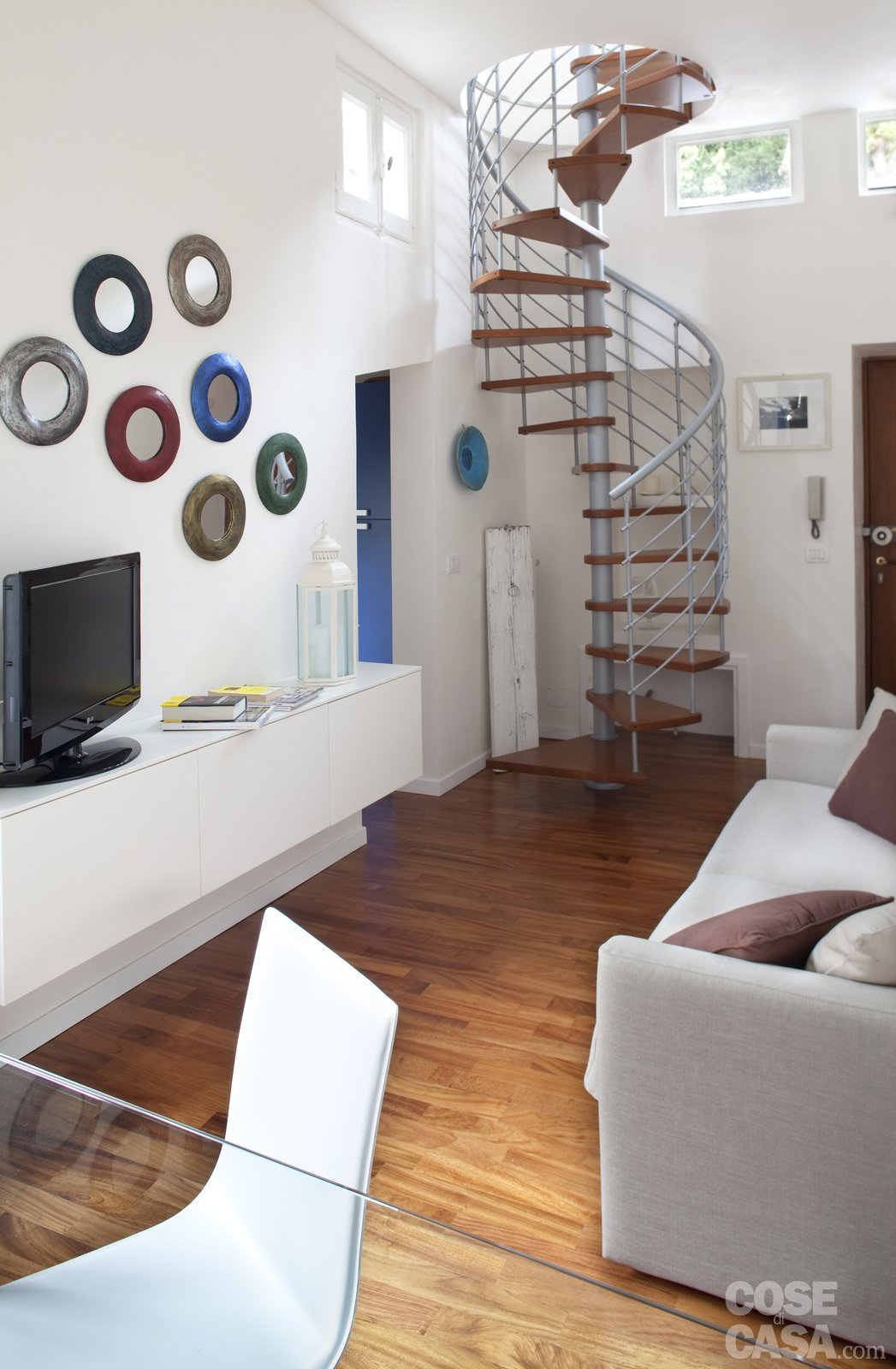 48 mq bilocale su due livelli cose di casa for Piani quadrati a chiocciola