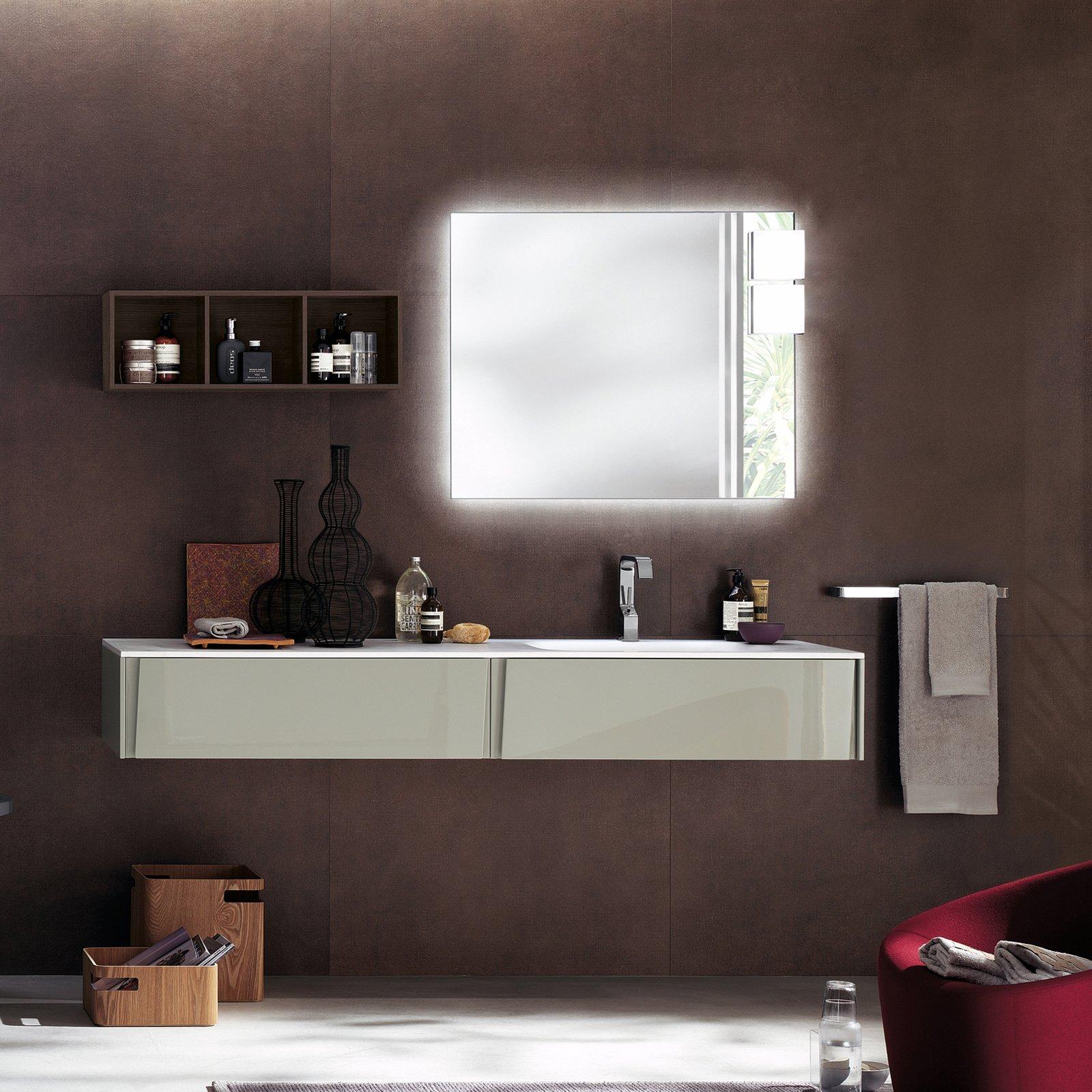 lagu di scavolini bagno con finitura lucida colore lino ha il lavabo integrato in cristalplant