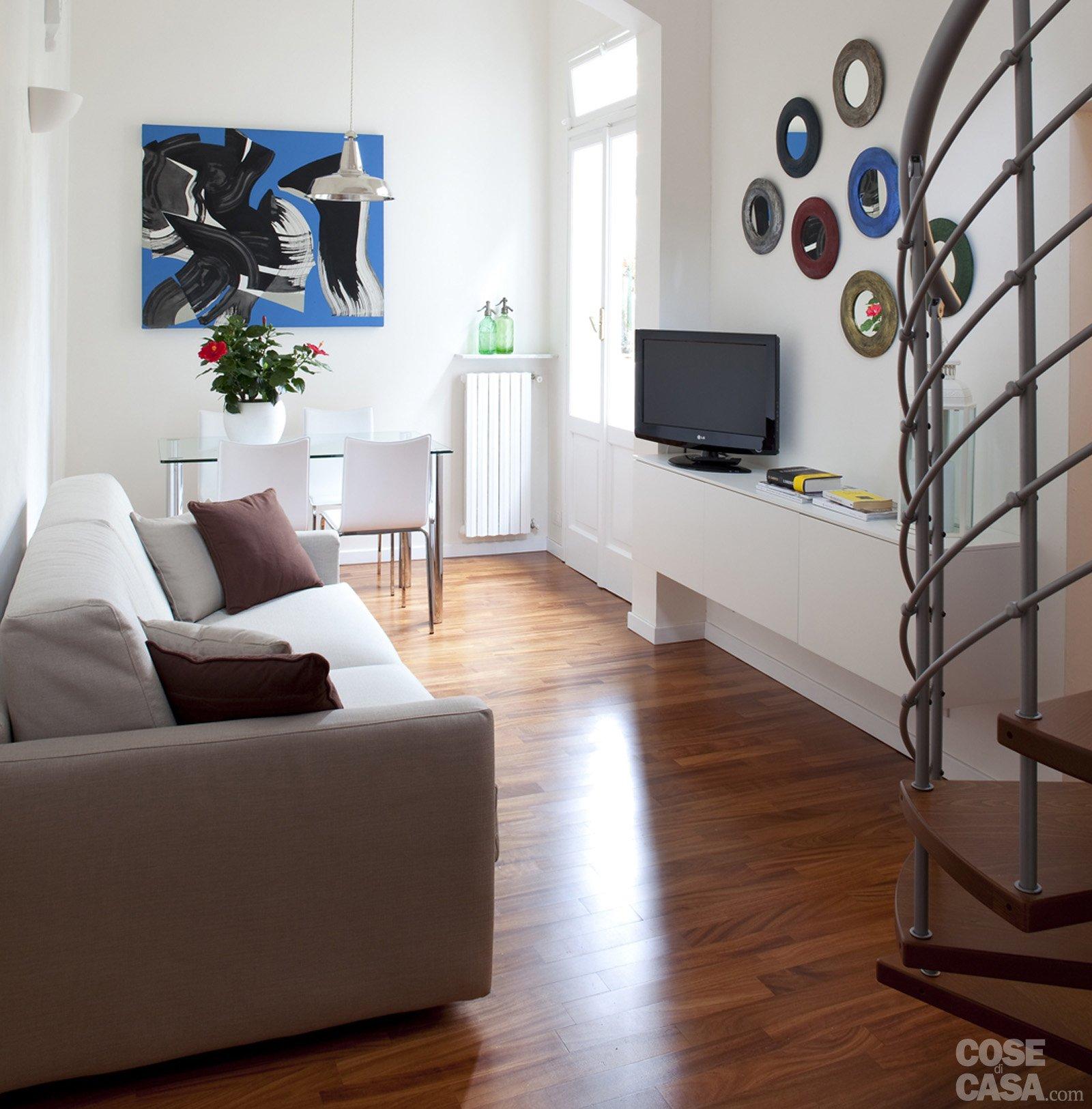 48 Mq: Bilocale Su Due Livelli Cose Di Casa #346097 1600 1625 Come Arredare Una Cucina Piccola Rettangolare