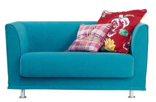 Prezzo 1.050 euro - Gregory di Twils. Completamente sfoderabile, e disponibile anche nella versione in pelle o in tessuto con bordi a contrasto. Il divano misura L 135 x P 70 x H 80 cm. www.twils.it