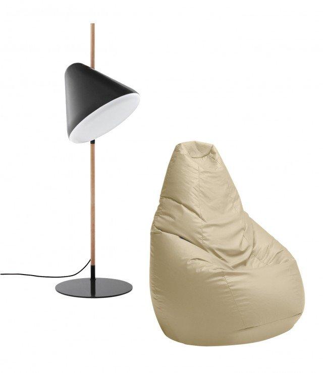Hello è una lampada da terra di Norman Copenhagen, dall'aspetto decisamente futurista, dalle linee semplici che dona carattere all'ambiente. Lo schermo interno del paralume è realizzato in materiale acrilico e crea una luce morbida e gradevole nell'ambiente. L'asta in faggio a contrasto aggiunge un aspetto giocoso alla lampada. Misura Ø 49 x H 165 cm. Prezzo 660 euro. L'inimitabile pouf Sacco di Zanotta ritorna in una nuova versione a prezzo ridotto. Creato nel 1968 è diventato un oggetto di culto, che vive un costante successo da 40 anni e una fama internazionale. La poltrona è imbottita di sfere di polistirene espanso e si adatta a qualunque forma. Il sacco segue i movimenti del corpo di chi lo utilizza e si modella di conseguenza. Disponibile in una vasta gamma di colori e materiali di rivestimento. Misura L 80 x H 68 cm. Prezzo 270 euro. www.zanotta.it