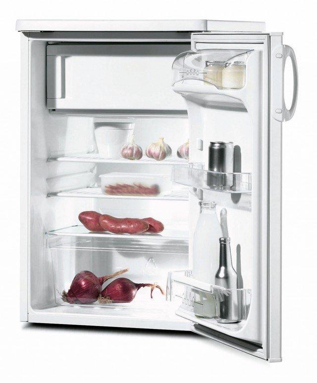 Ha capacità netta di 146 litri il frigorifero sottotop in classe energetica A+ con sistema di raffreddamento statico. Misura L 55 x P 61 x H 85 cm. Costa 280 euro PT 161 di Zoppas