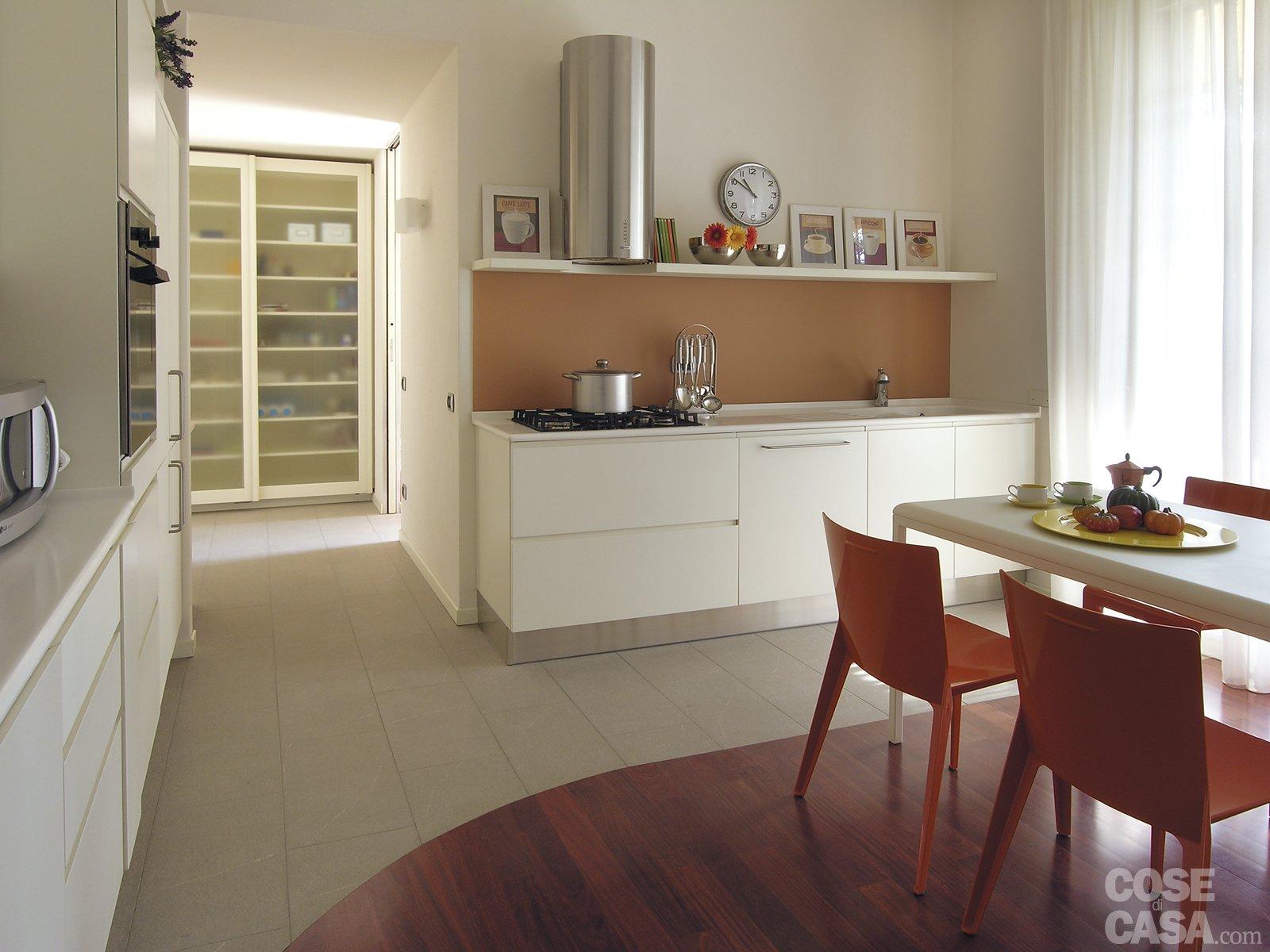 Una casa con tante idee da copiare cose di casa for Pavimenti per cucina e soggiorno