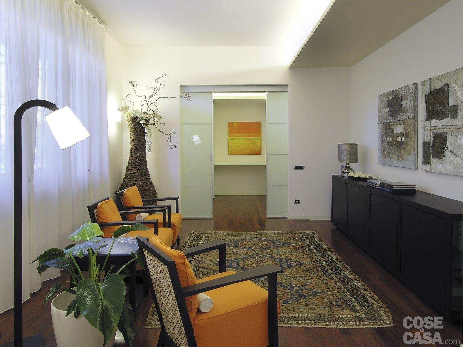 una casa con tante idee da copiare - cose di casa - Lusso Angolo Divano Nel Soggiorno Camera Design Con Parete Di Vetro