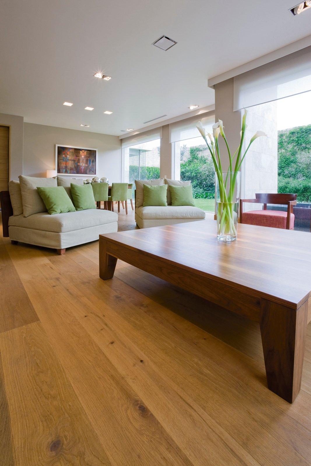 Soggiorno Pavimento Scuro ~ Idee per il design della casa
