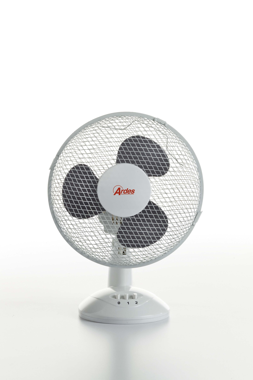 Ventilatori l 39 aria fresca del design cose di casa - Ventilatore da tavolo silenzioso ...