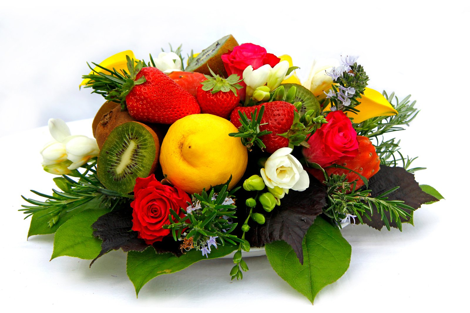 composizioni di frutta e fiori