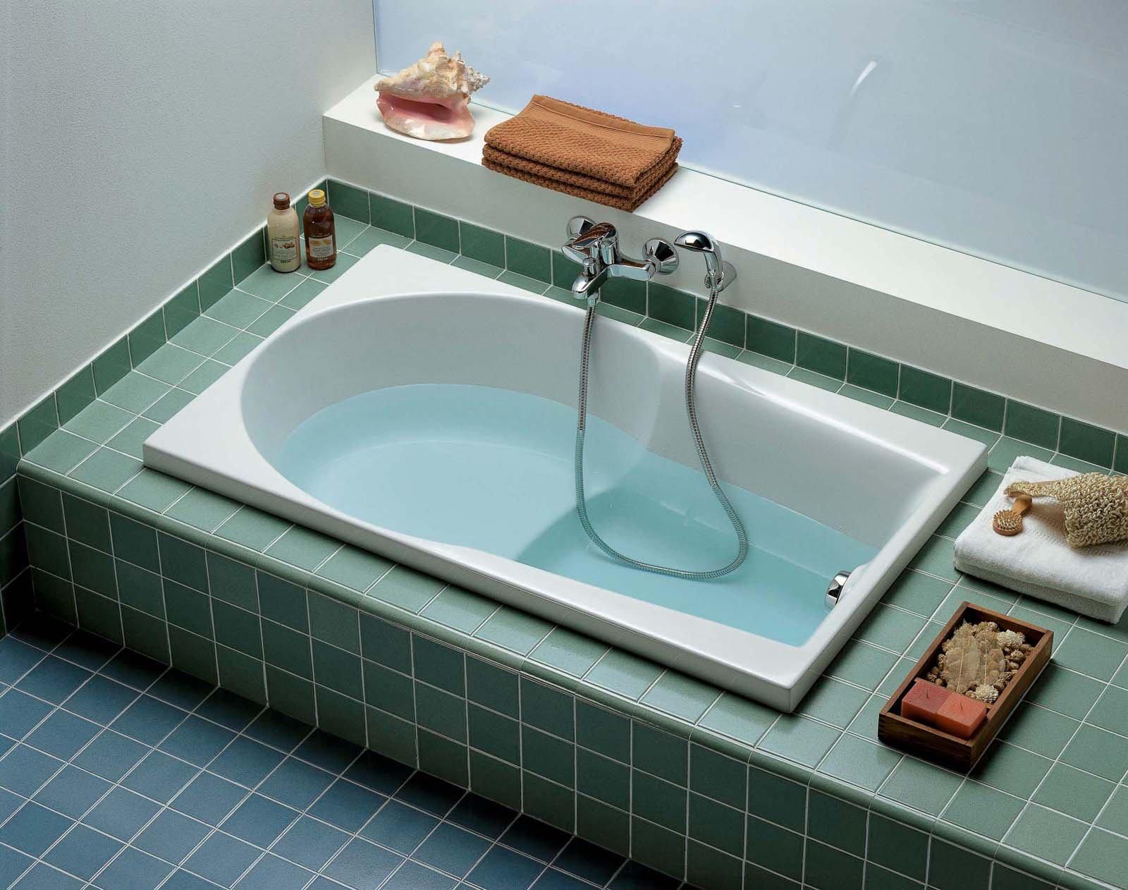 dotata di sedile con fondo antisdrucciolo la vasca da incasso navona di ceramica dolomite