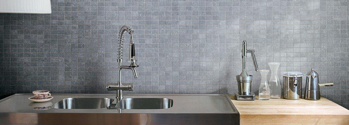 Pannelli per coprire piastrelle cucina casa terminali for Brico adesivi pareti