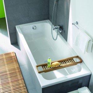 Da incasso, la vasca D-Code di Duravit è realizzata in lastra acrilica dello spessore di 4 mm. Misura L 170 x P 75 x H 55 cm. Prezzo 340 euro. www.duravit.it