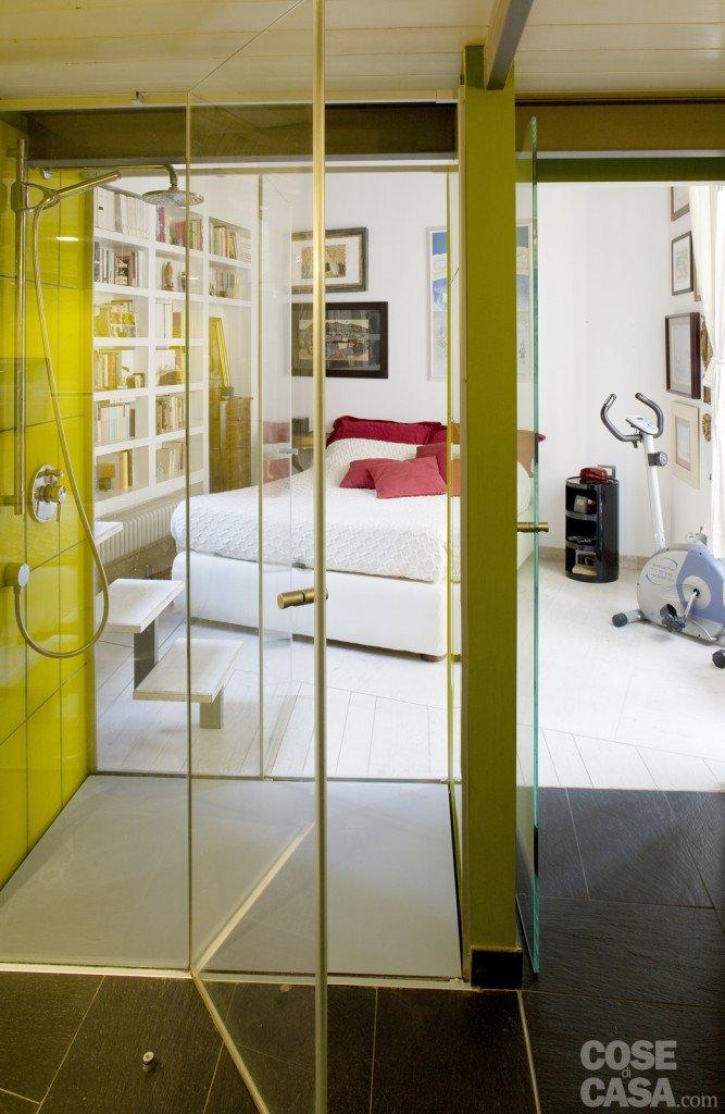 Cabina doccia in camera da letto : ... piccola: 43 mq + soppalco per studio e cabina armadio - cose di casa