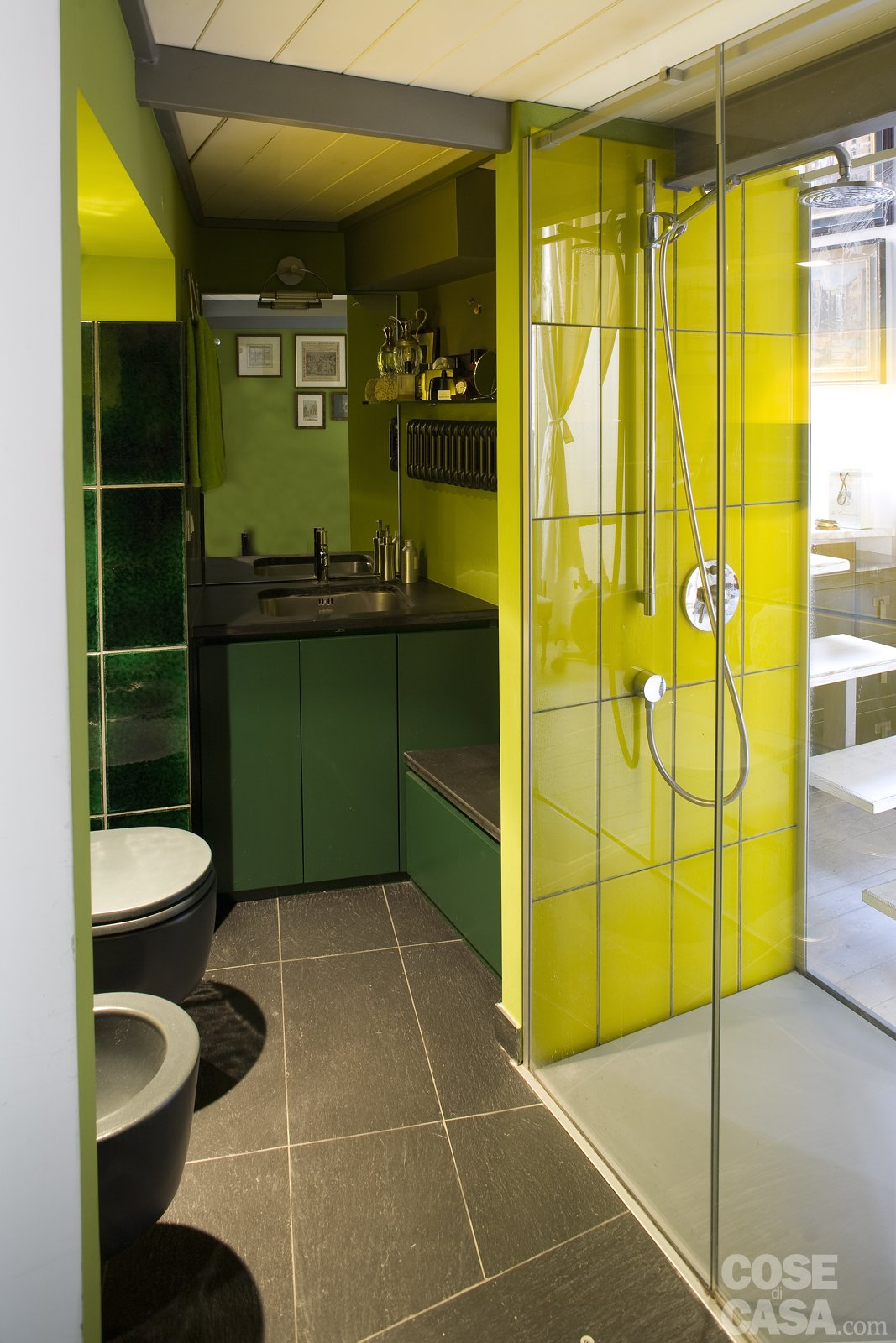 Casa piccola 43 mq soppalco per studio e cabina armadio for Piccola doccia della casa