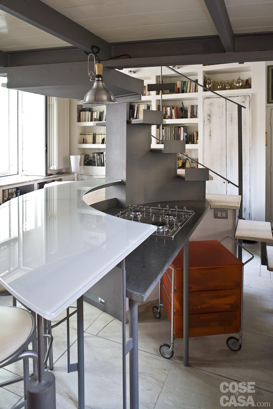 Casa piccola 43 mq soppalco per studio e cabina armadio - Cucina con soppalco ...