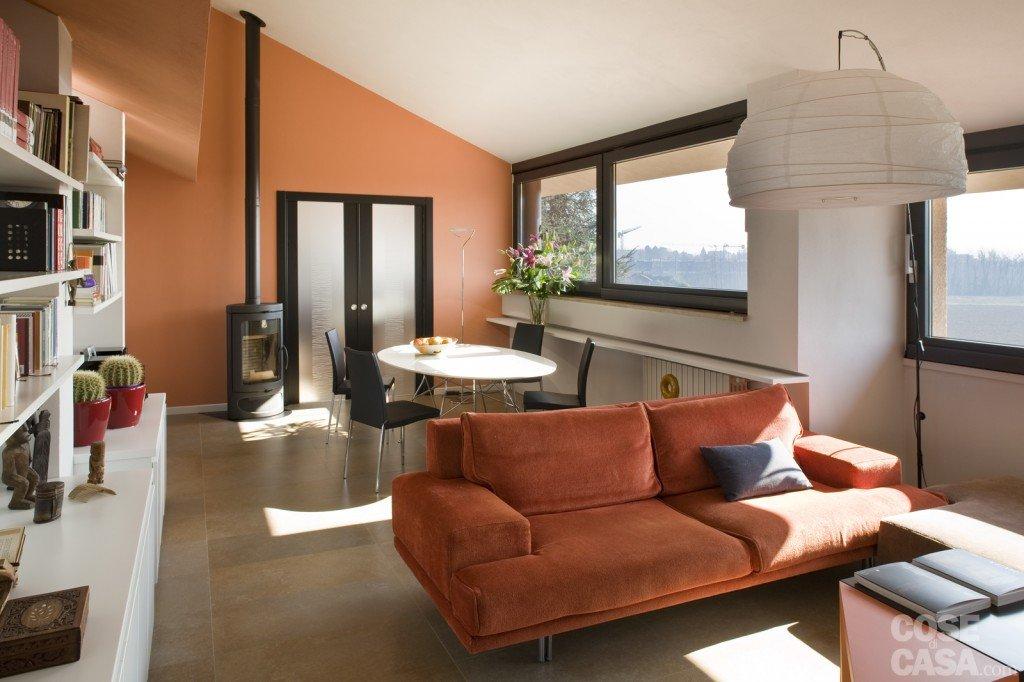 casa in mansarda con le soluzioni giuste per gli spazi bassi cose di casa. Black Bedroom Furniture Sets. Home Design Ideas