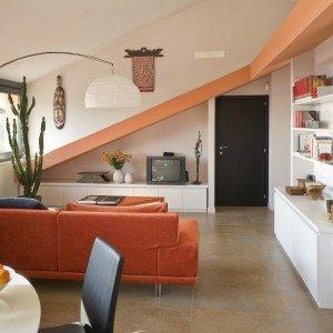Casa in mansarda. Con le soluzioni giuste per gli spazi \