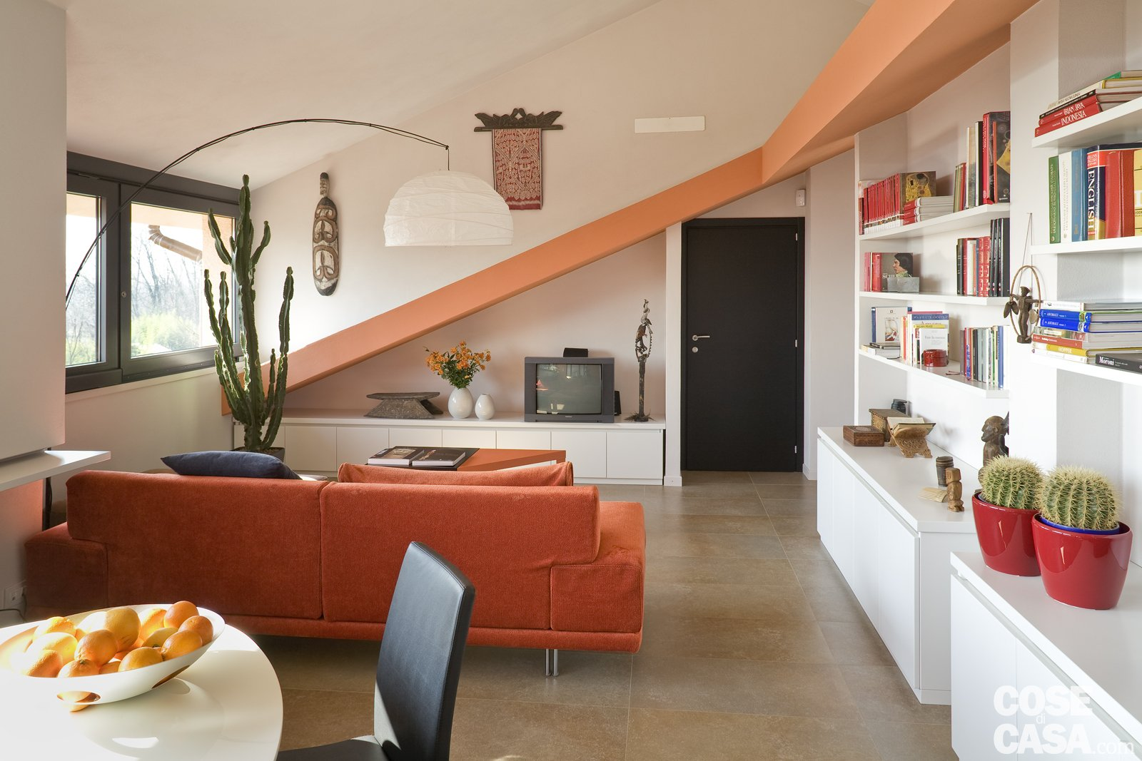 Casa in mansarda con le soluzioni giuste per gli spazi for Soluzioni di arredo per soggiorni