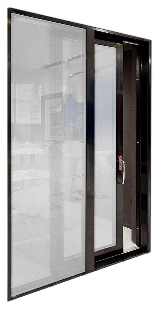 Il serramento in alluminio e legno con vetro basso emissivo garantisce isolamento termico fino a 1.03 W/M²K e acustico di 37 dB. Prezzo da rivenditore. Eternity Maxi Zero di Pavanello Serramenti
