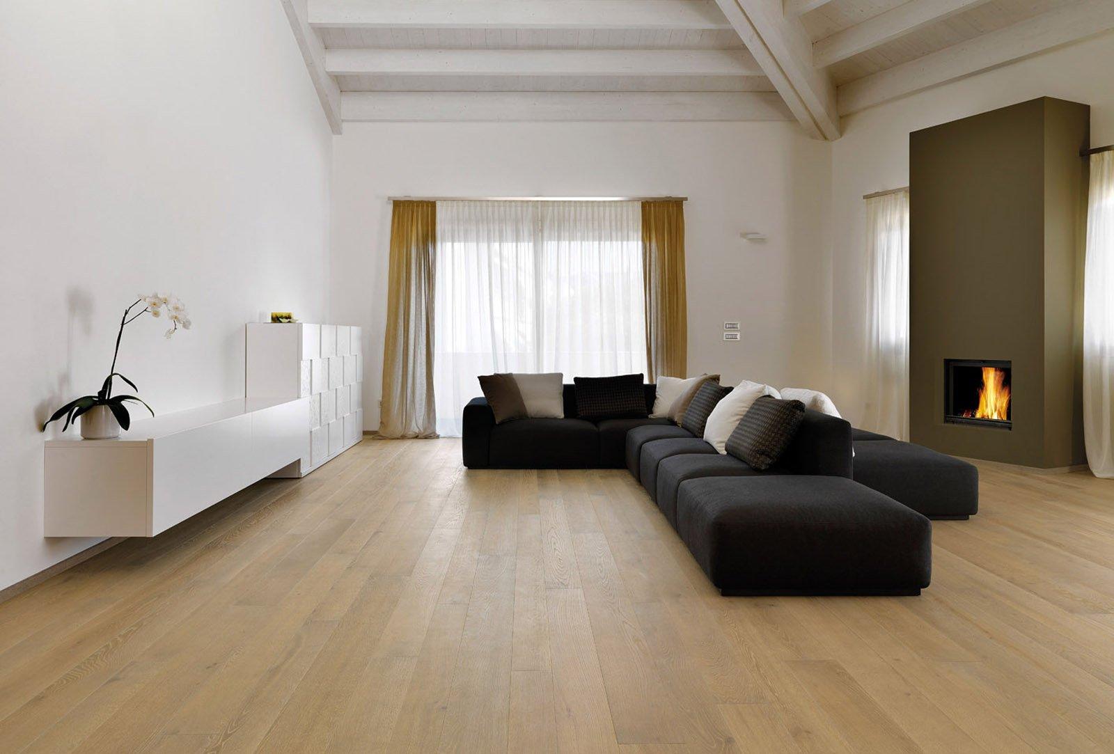 Parquet resistente veloce da posare ed economico cose for Pavimento cucina soggiorno