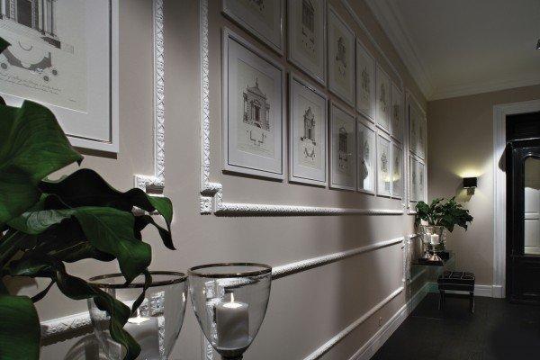 Cornici effetto gesso per rinnovare la parete cose di casa for Cose per decorare la camera