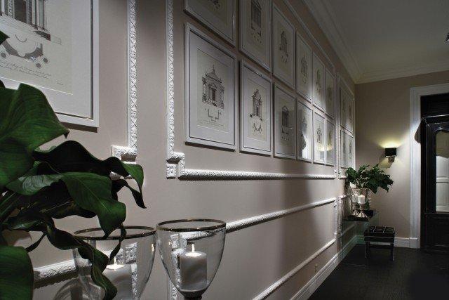 Parete con profili P21 della collezione Luxxus di Orac Decor. In polimero ad alta densità, è distribuito da Bianchi Lecco. Misura L 200 x P 2,5 x H 4,5 cm. Prezzo da rivenditore. www.bianchilecco.it