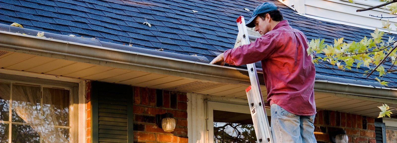 Come pulire la grondaia in sicurezza cose di casa - Lavori in casa fai da te ...