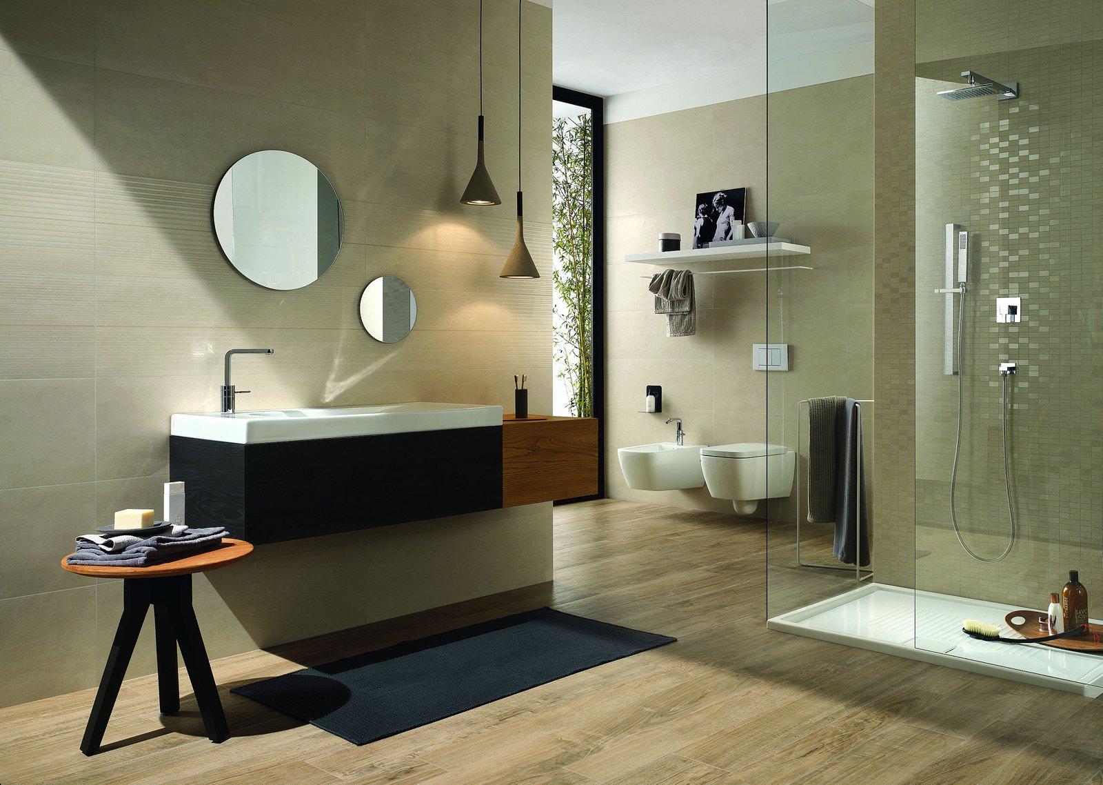 Piastrelle per il bagno tre stili diversi cose di casa - Bagno moderno piastrelle ...