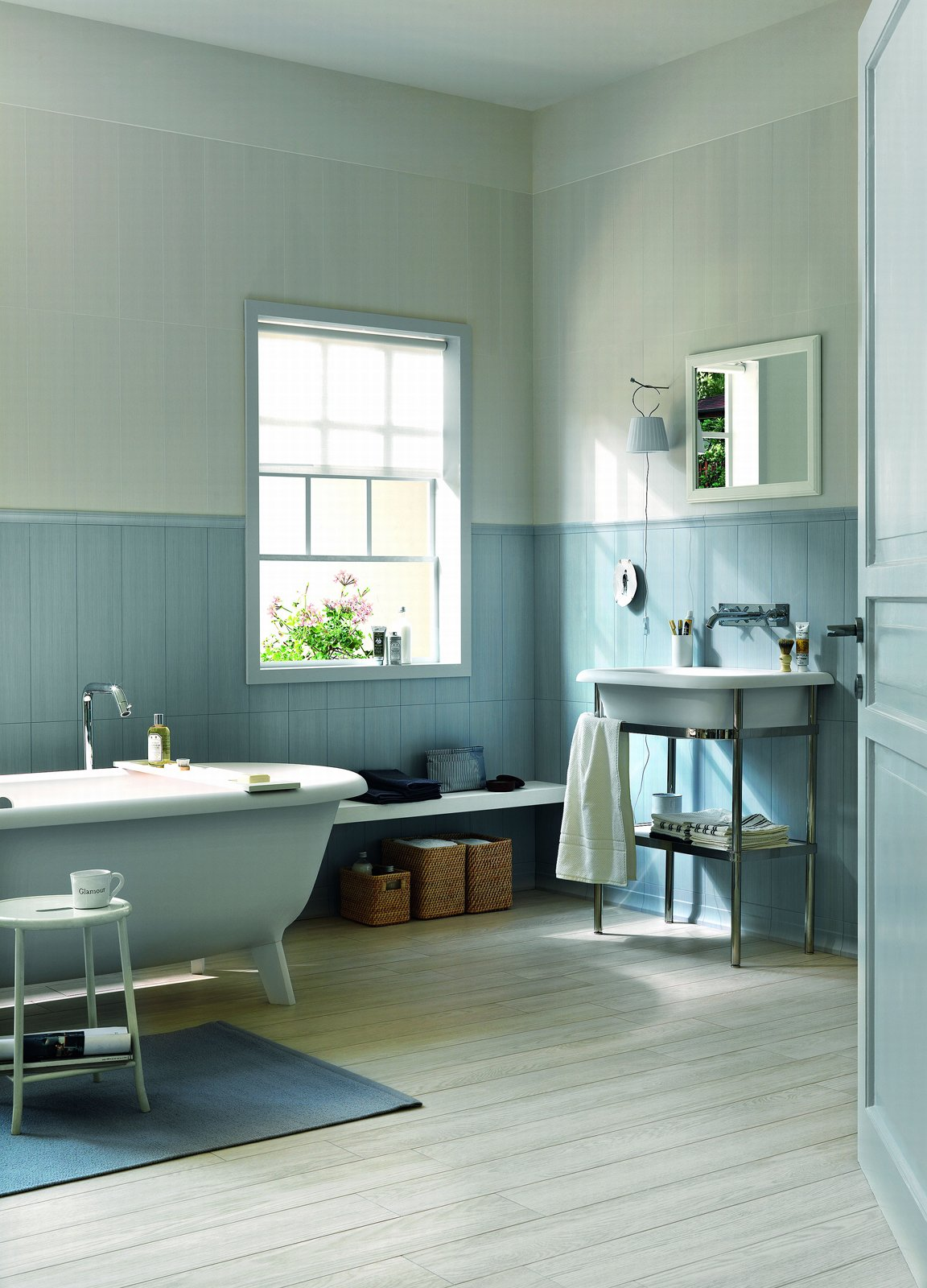 Piastrelle per il bagno tre stili diversi cose di casa - Smalto per pareti bagno ...