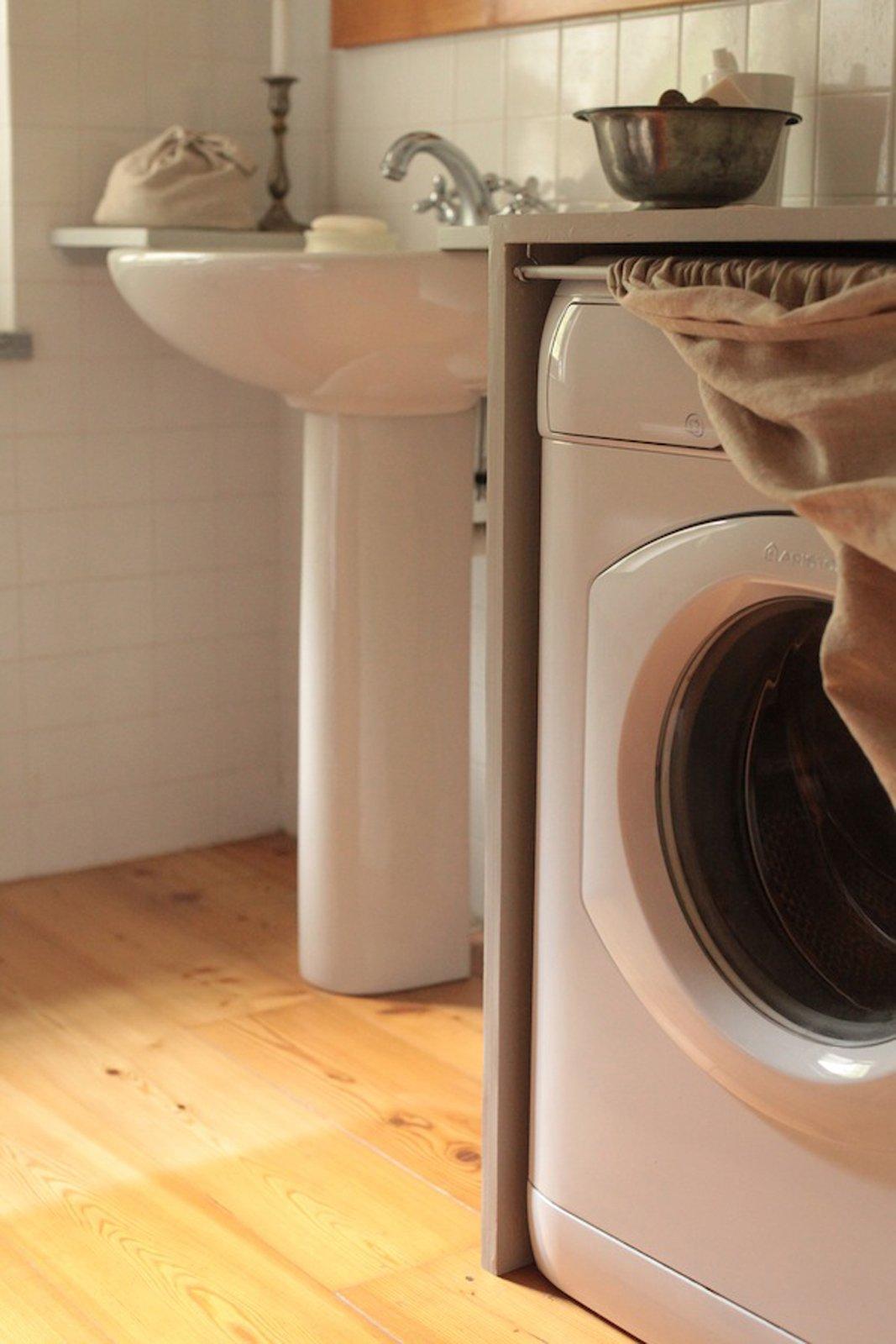 Nascondere la lavatrice e trasformare il bagno - Cose di Casa