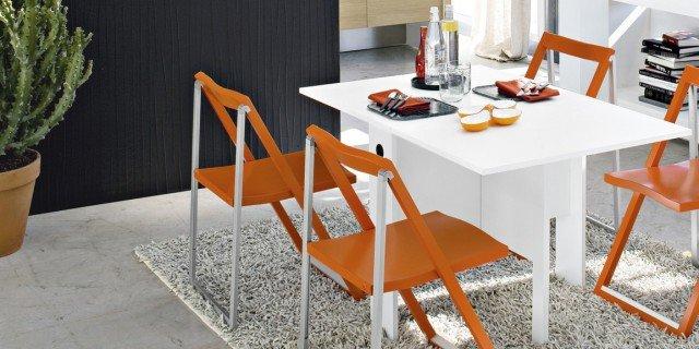 Tavolo Bianco E Sedie Colorate.Tavolo Bianco Da Abbinare A Tutto Cose Di Casa