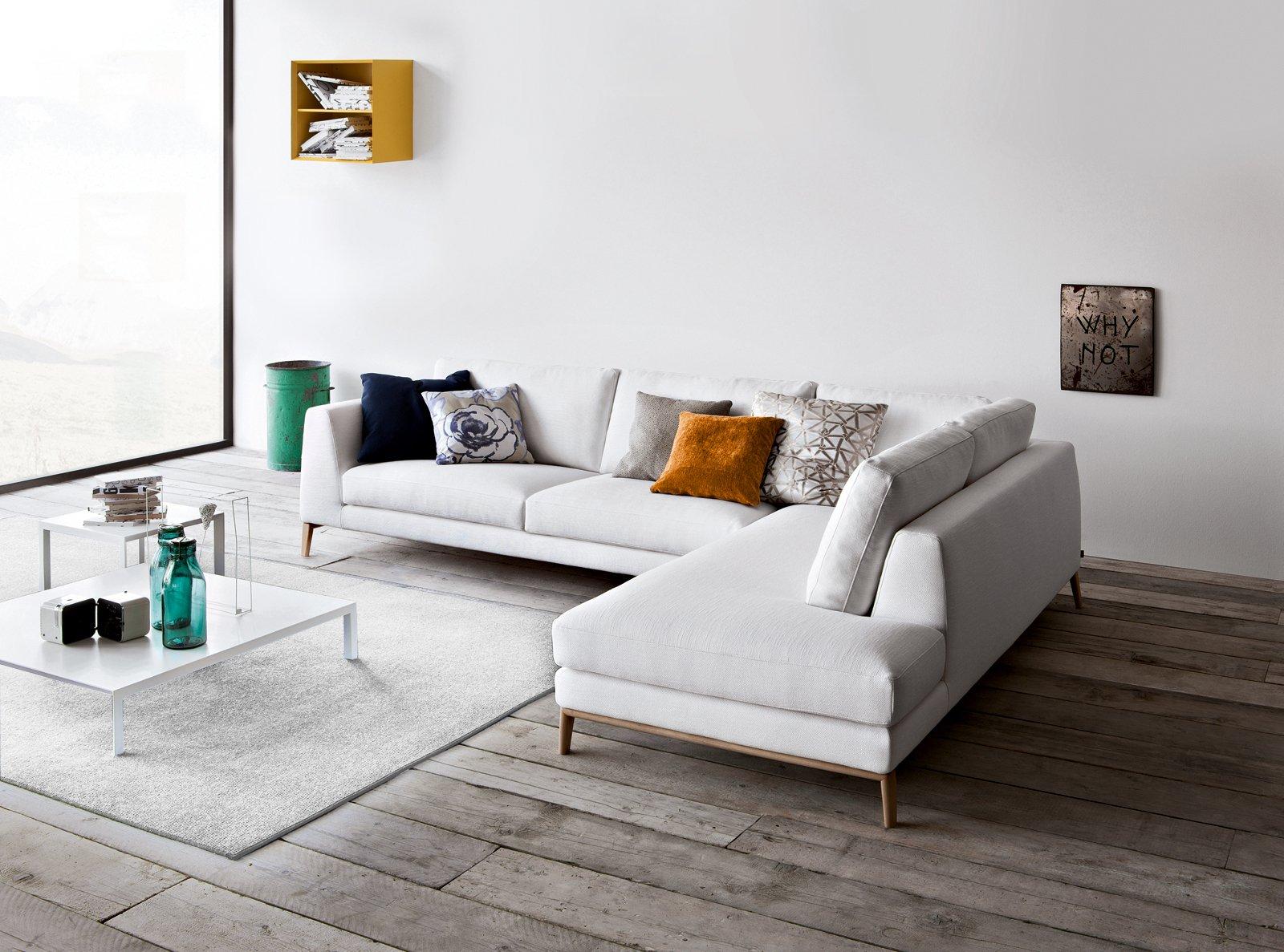 Soluzioni per la casa il soggiorno sembra pi grande cose di casa - Rivestimento divano ikea ...