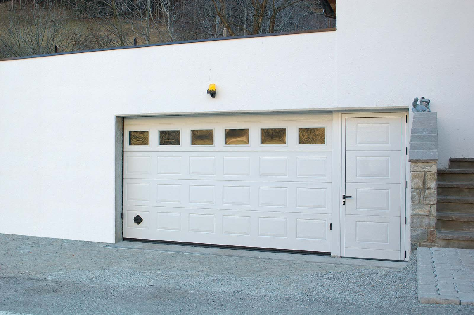 Portoni per garage cose di casa for Breda portoni