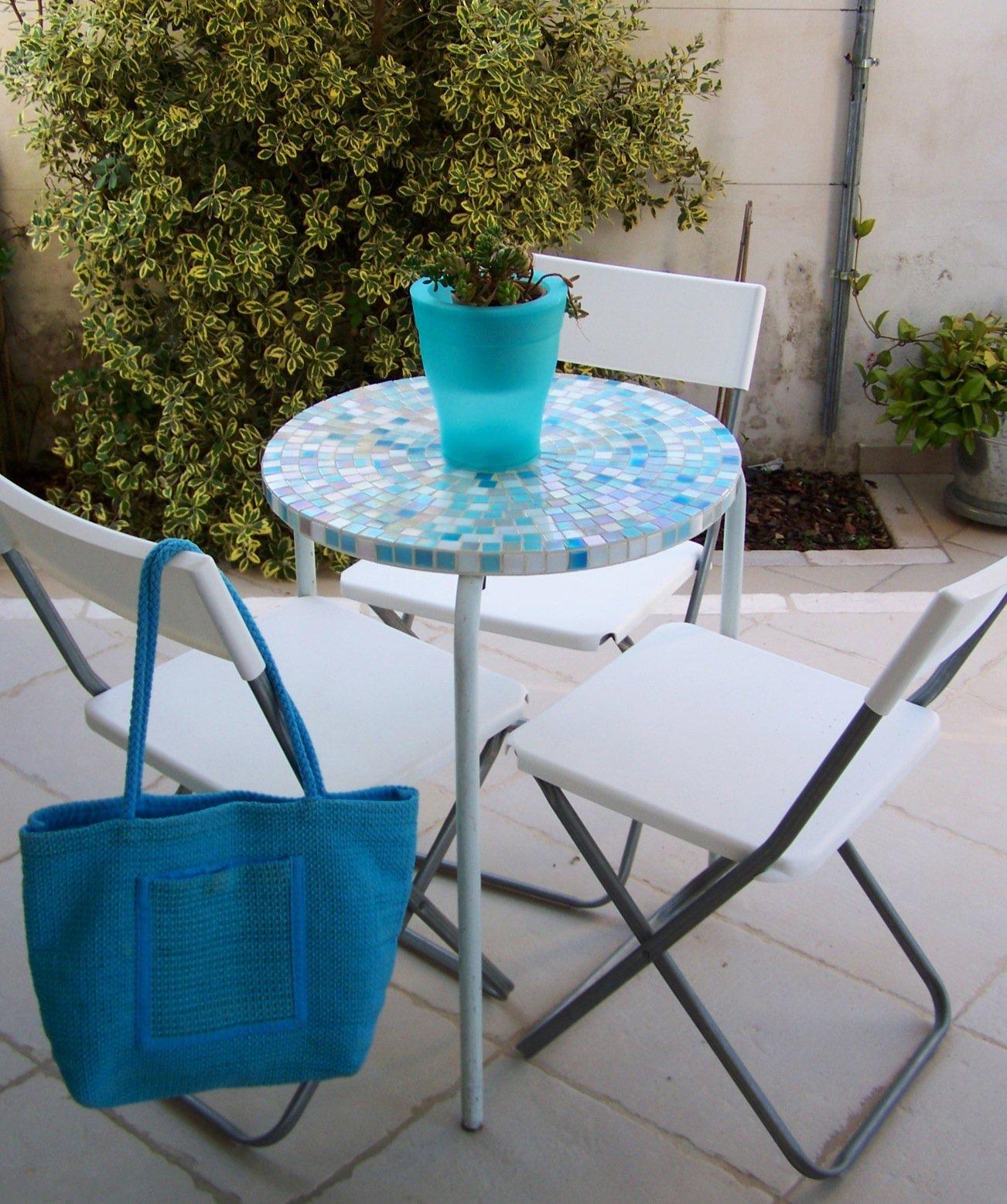 Tavolino a mosaico per l 39 estate cose di casa for Tavolo rotondo mosaico