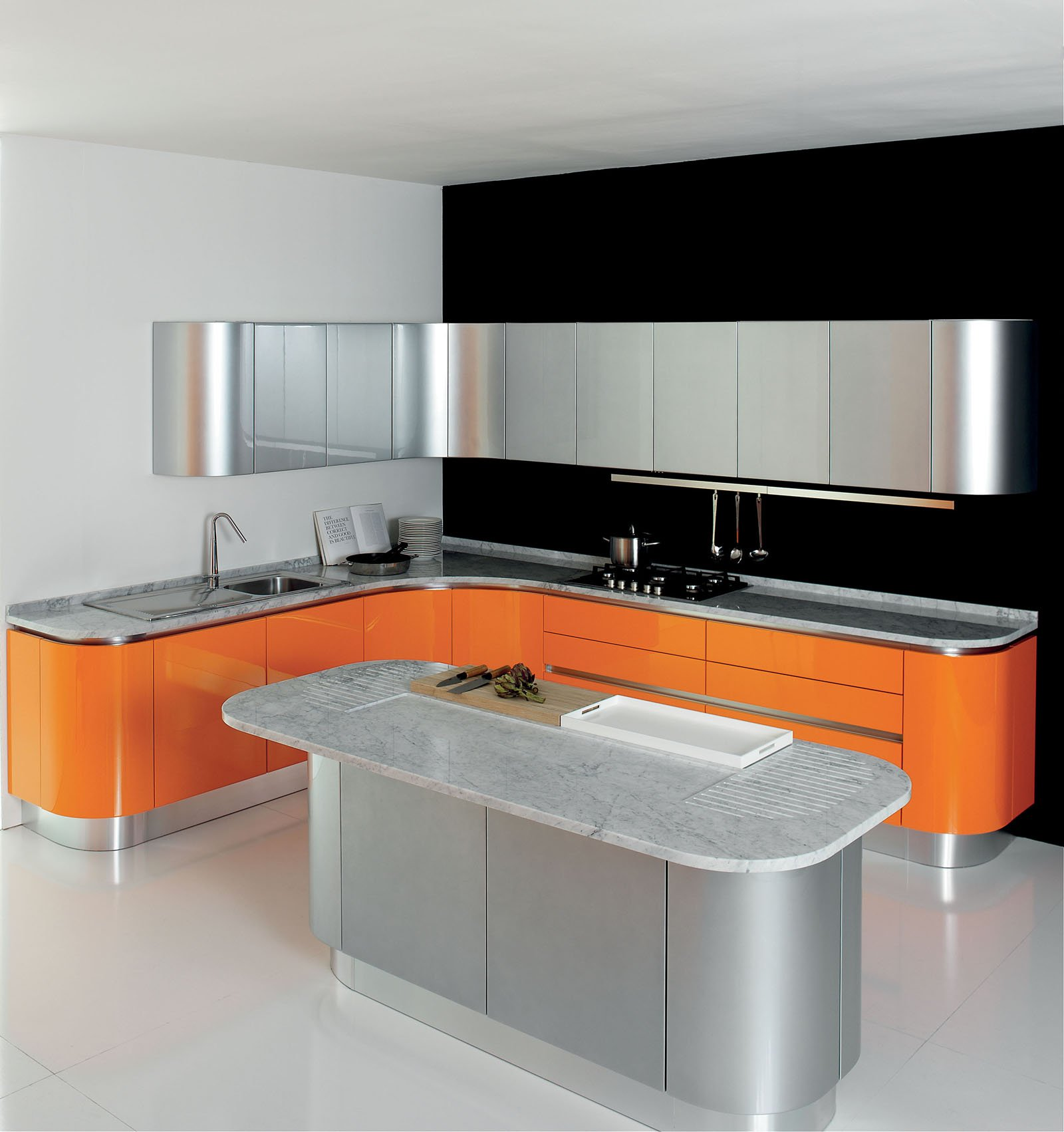 Aran 5 cucine per sfruttare lo spazio in modi differenti cose di casa - Cucine moderne colorate ...