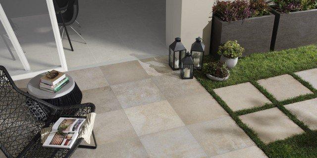 Piastrelle per esterni che materiale scegliere cose di casa - Posare piastrelle su piastrelle ...