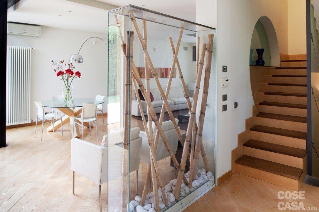 Una casa con soluzioni che moltiplicano la luce cose di casa for Piccoli piani di casa con garage rv