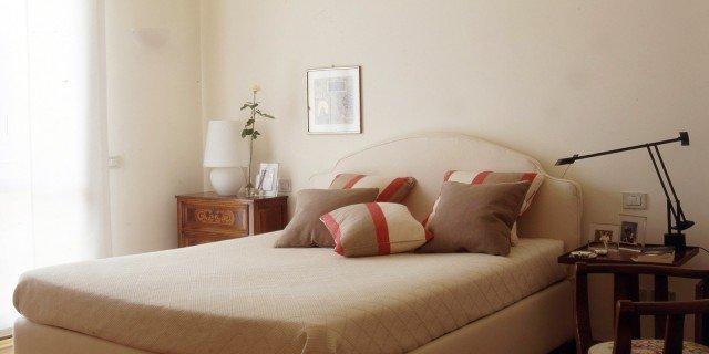 Camera da letto, classica ma contemporanea