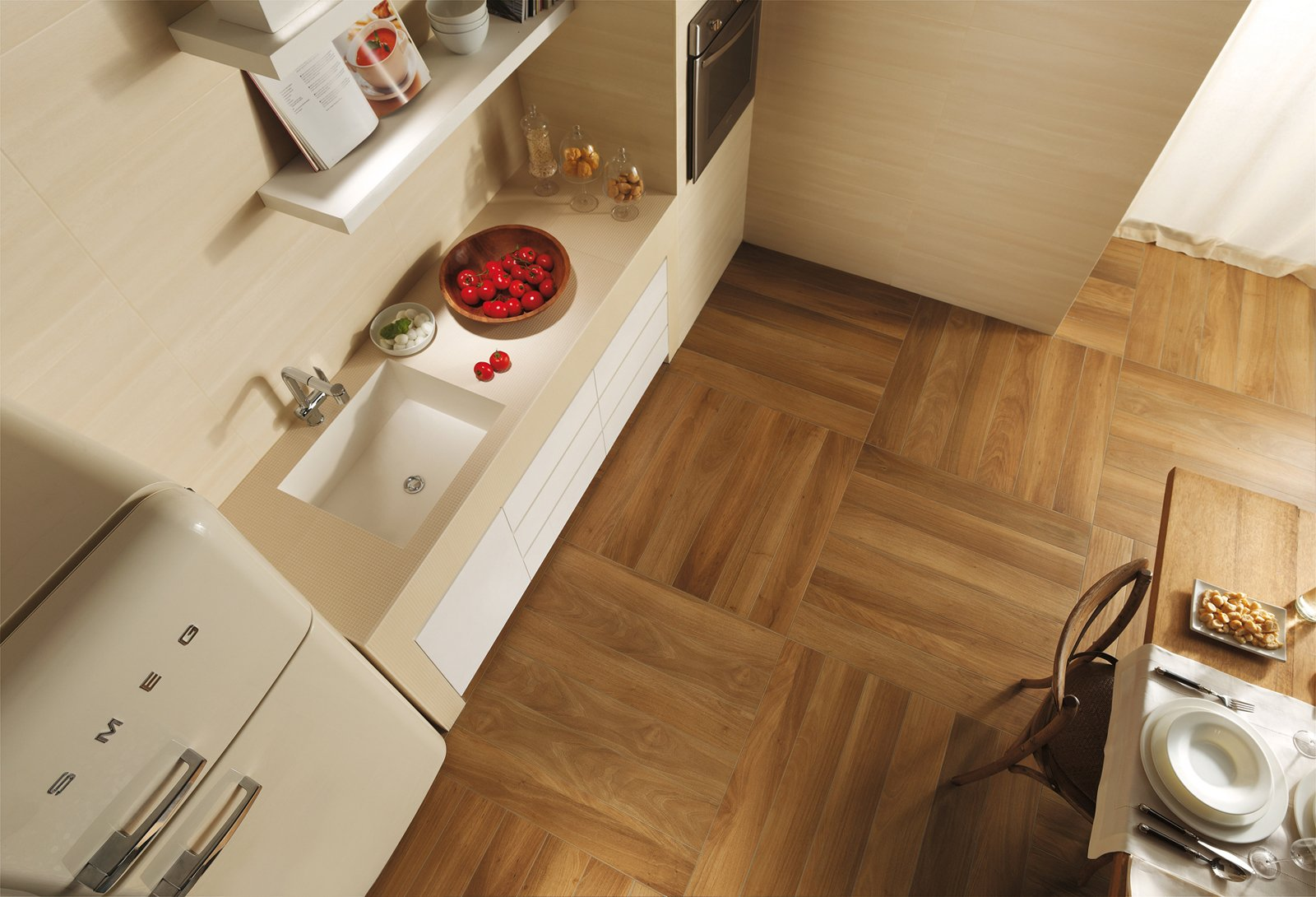 Piastrelle per il pavimento della cucina cose di casa - Rivestimento cucina effetto legno ...