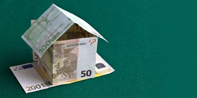 Banconote, euro, notaio e compravendita immobiliarecapitale immobiliare