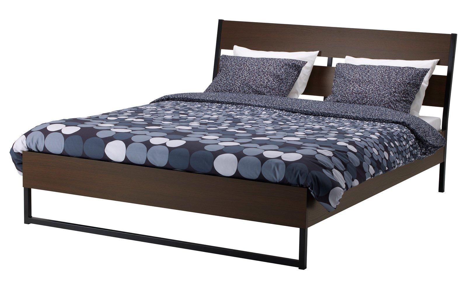 Letto con finitura legno o laccato cose di casa for Testiera letto singolo ikea