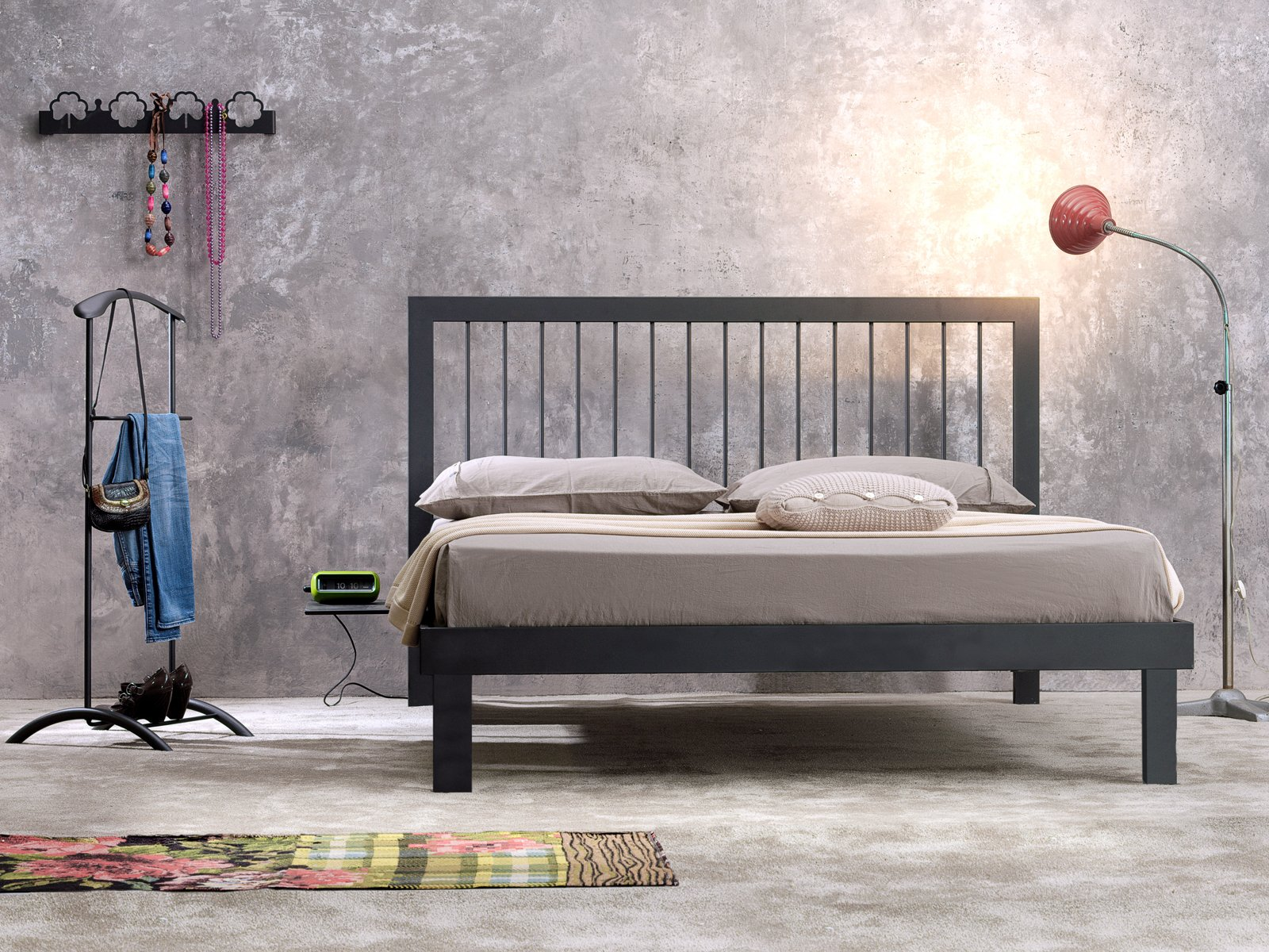 Letti e armadi di piccole dimensioni perfettamente - Camere da letto ferro battuto ...