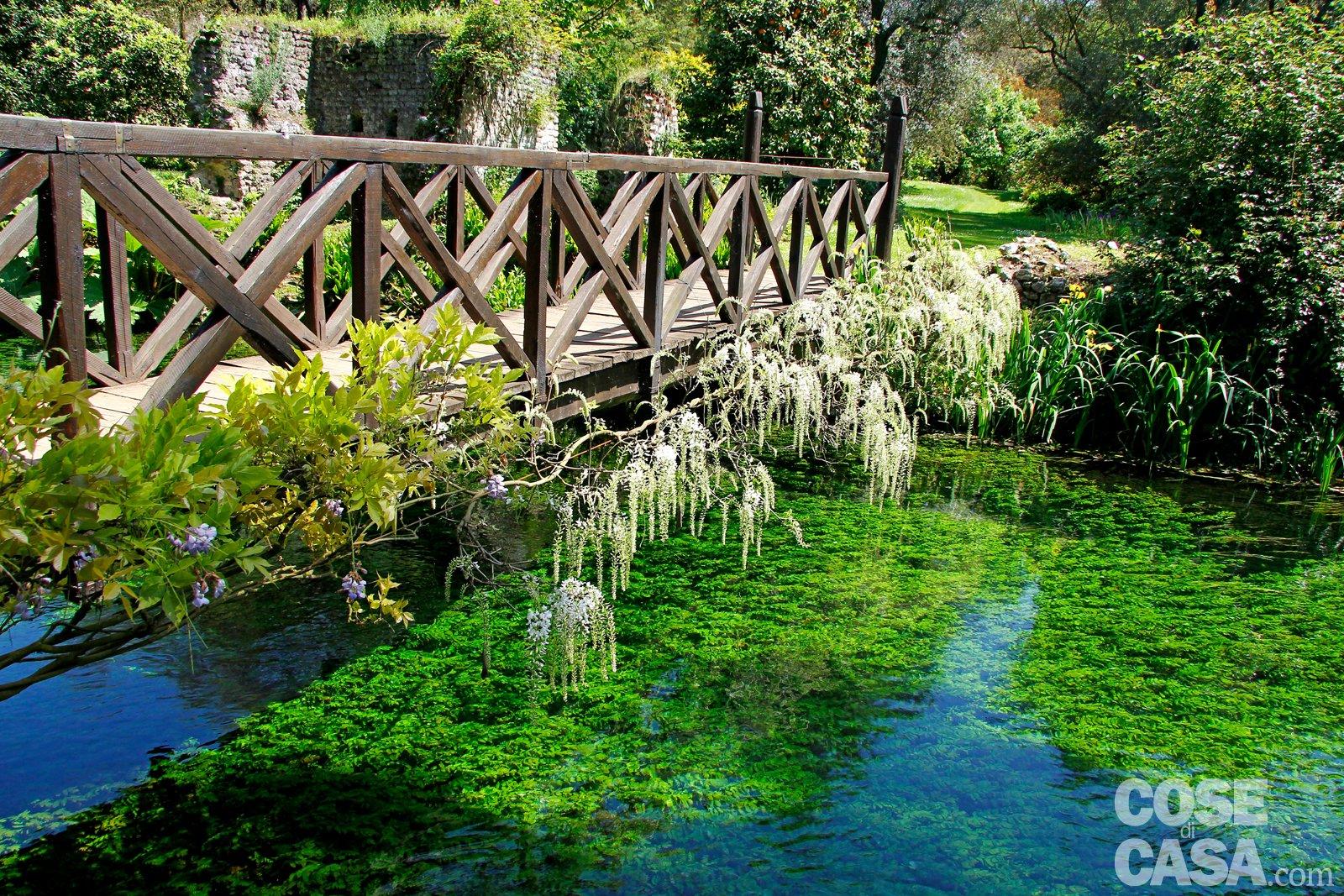 Giardino di ninfa alla scoperta delle piante cose di casa for Architetto giardini roma