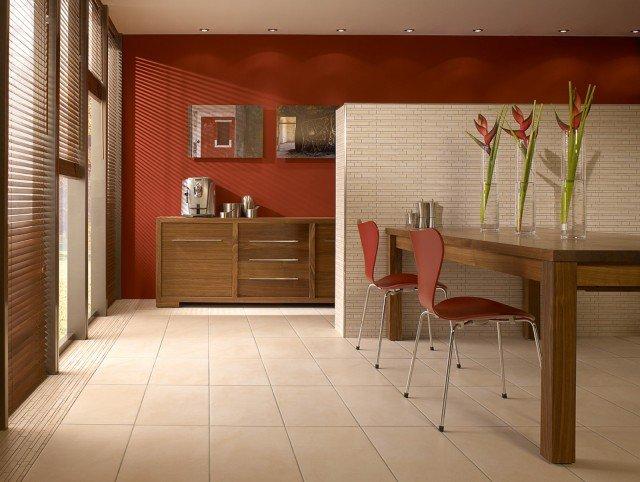 È in gres porcellanato la collezione di piastrelle per il pavimento West Coast di Villeroy & Boch Fliesen. È disponibile nelle tonalità beige, crema e grigio. Nel formato 30 x 60 cm al mq costa 39,90 euro. www.villeroy-boch.com