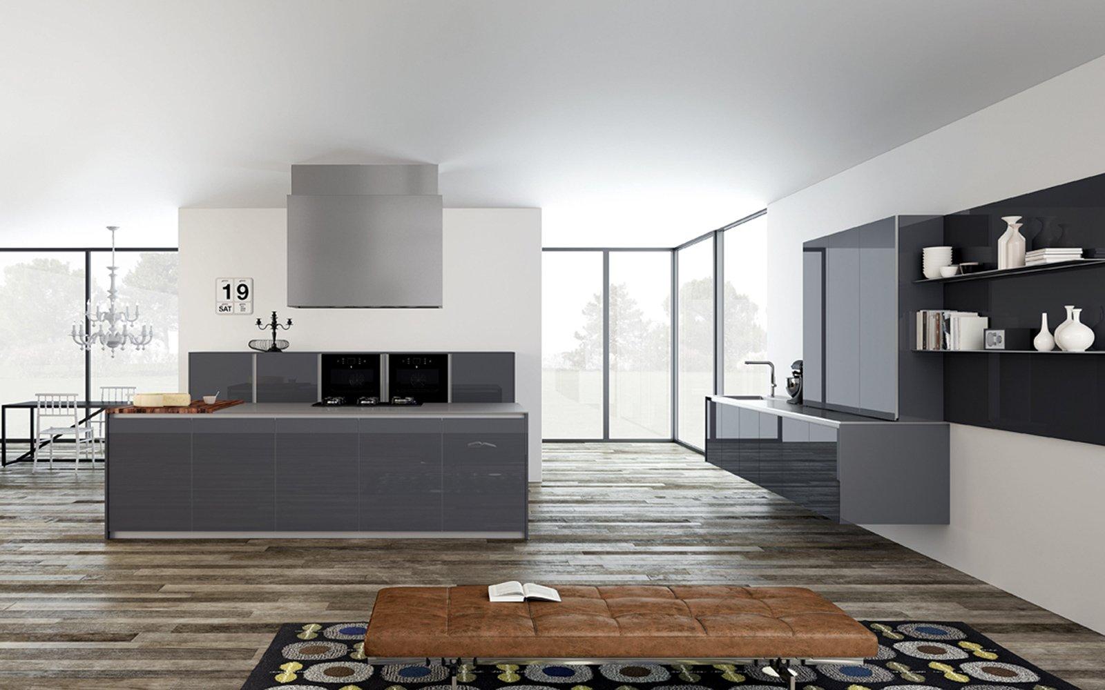 Cucine in vetro con superfici a specchio for Interni minimalisti
