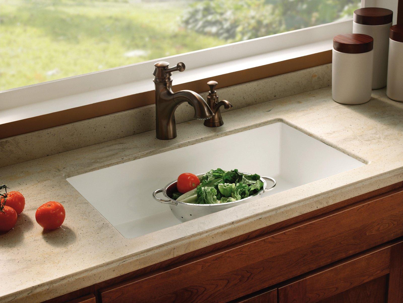 Cucina materiali che migliorano nel tempo cose di casa - Piano cucina in corian prezzi ...