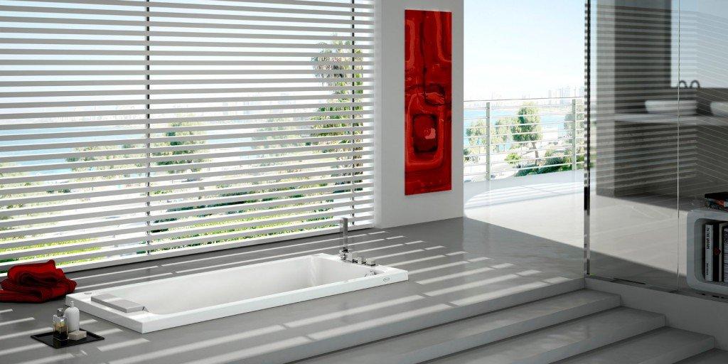 La vasca in acrilico Sharp di Jacuzzi, con 4 bocchette idromassaggio e ...
