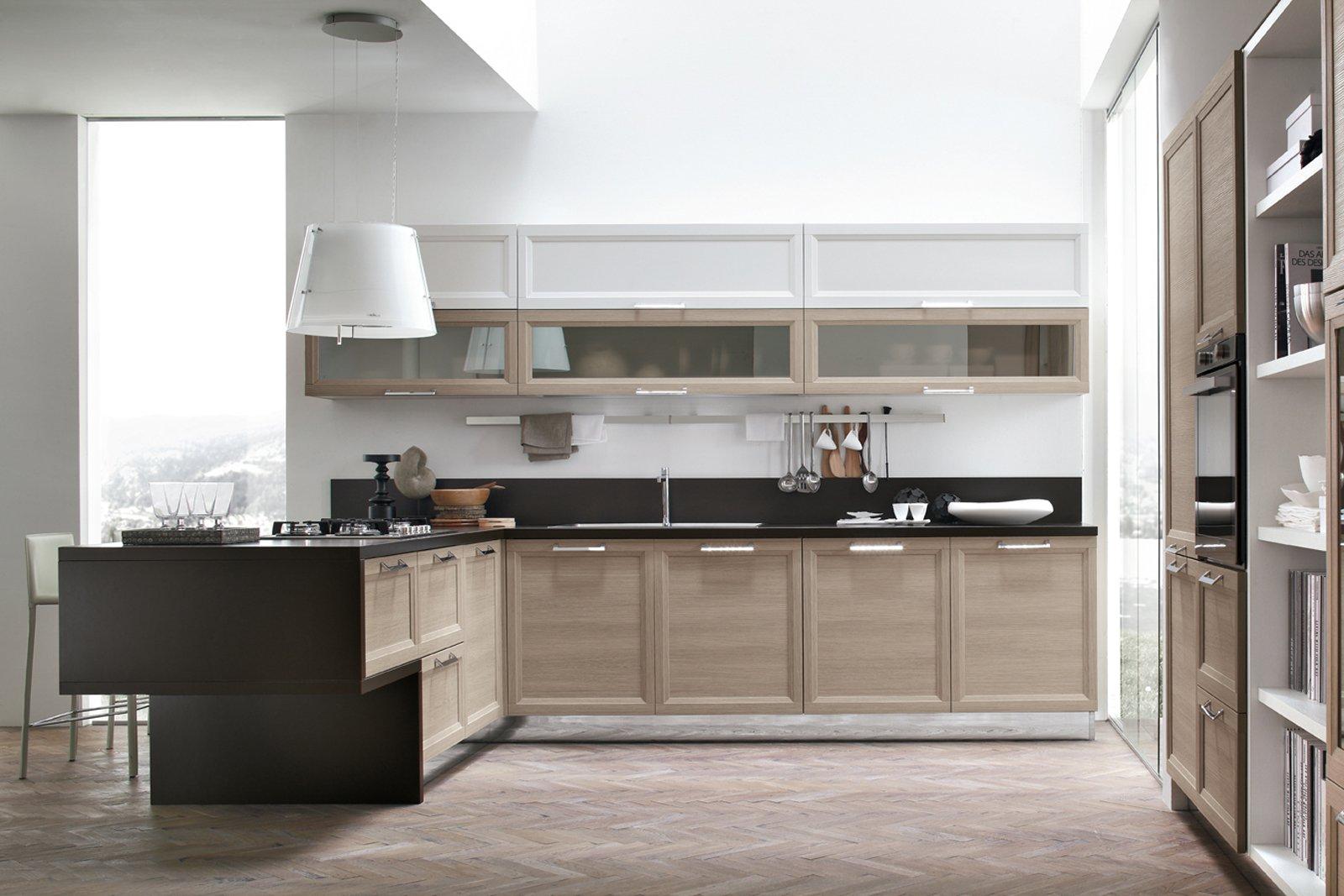 Cucina a penisola idee di design per la casa for Idee di design per la casa sul lungomare